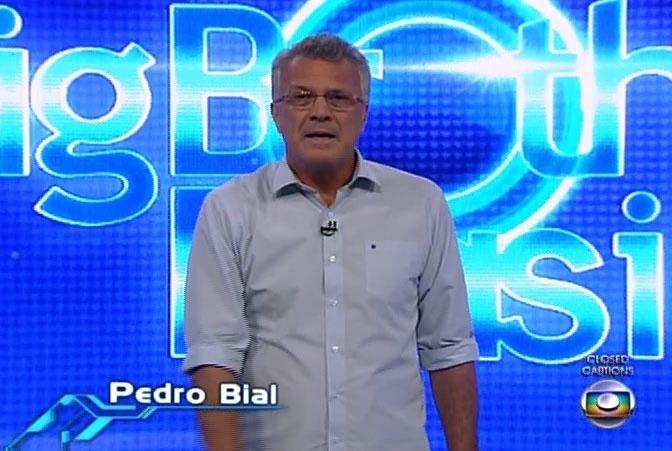 14.fev.2014 - Brothers reunidos na sala conversam com o apresentador Pedro Bial