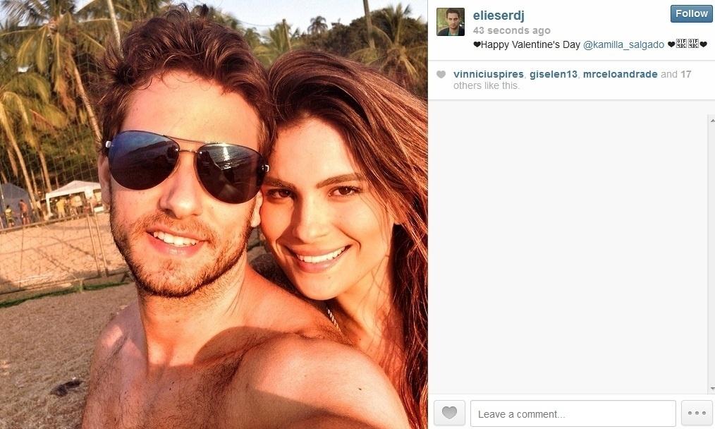 14.fev.2014 - Os ex-BBB's Eliéser e Kamilla também comemoraram o