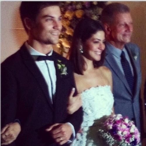 14.fev.2014- Carol Castro e o empresário Raphael Sander se casaram na noite desta sexta-feira em cerimônia íntima em São Conrado, zona sul do Rio