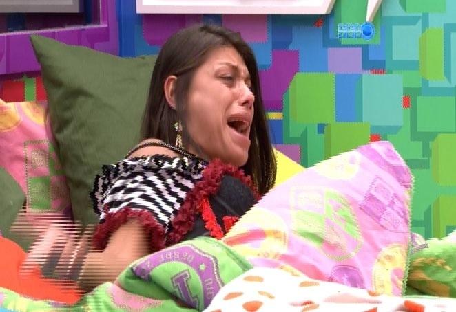 15.fev.2014 - Franciele e Diego brigam novamente, desta vez, por causa de papel higiênico