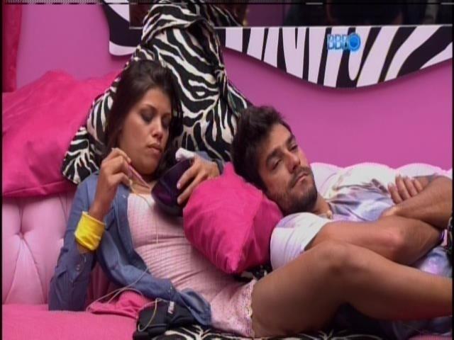 16.fev.2014 - Fran diz para Diego que Clara e Vanessa cuidaram dela melhor