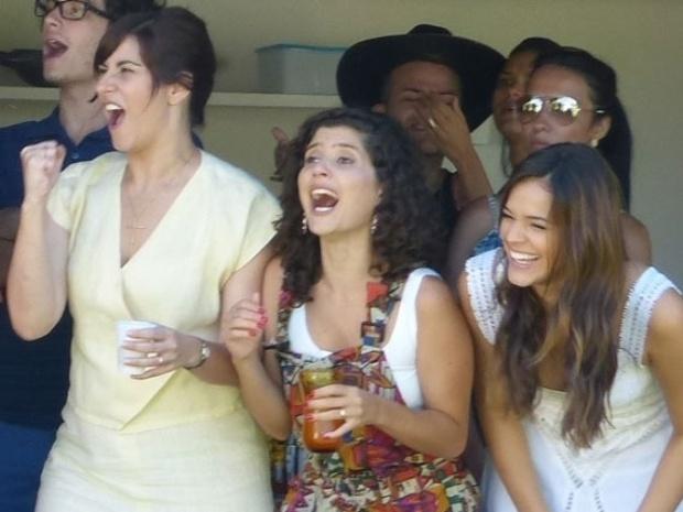 20.fev.2014 - Camila Raffanti, Gabriela Carneiro Cunha e Bruna Marquezine gravam cenas de