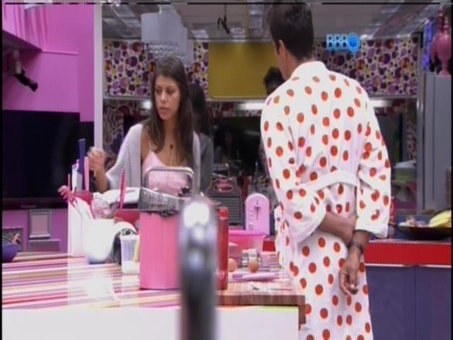 20.fev.2014 - Fran conta pra Diego sobre sua consulta no ginecologista