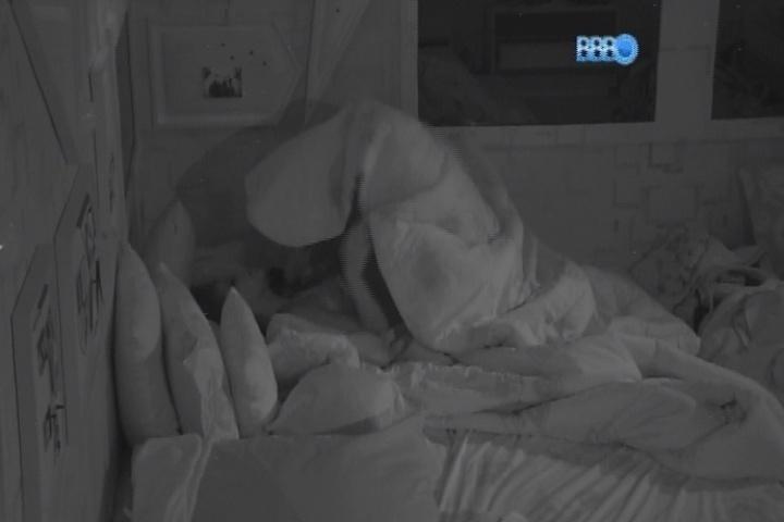 20.fev.2014 - Franciele e Diego têm mais uma noite de sexo no
