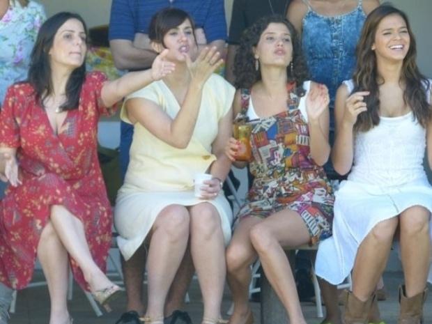 20.fev.2014 - Juliana Araripe, Camila Raffanti, Gabriela Carneiro Cunha e Bruna Marquezine gravam cenas de