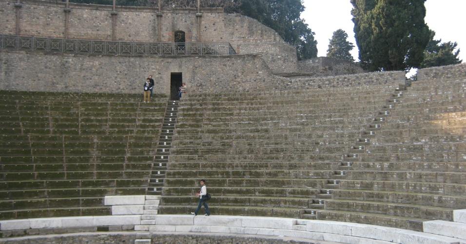 Dentro do Teatro Grande ainda é possível ver parte do mármore que cobria a zona reservada aos cidadãos importantes da cidade