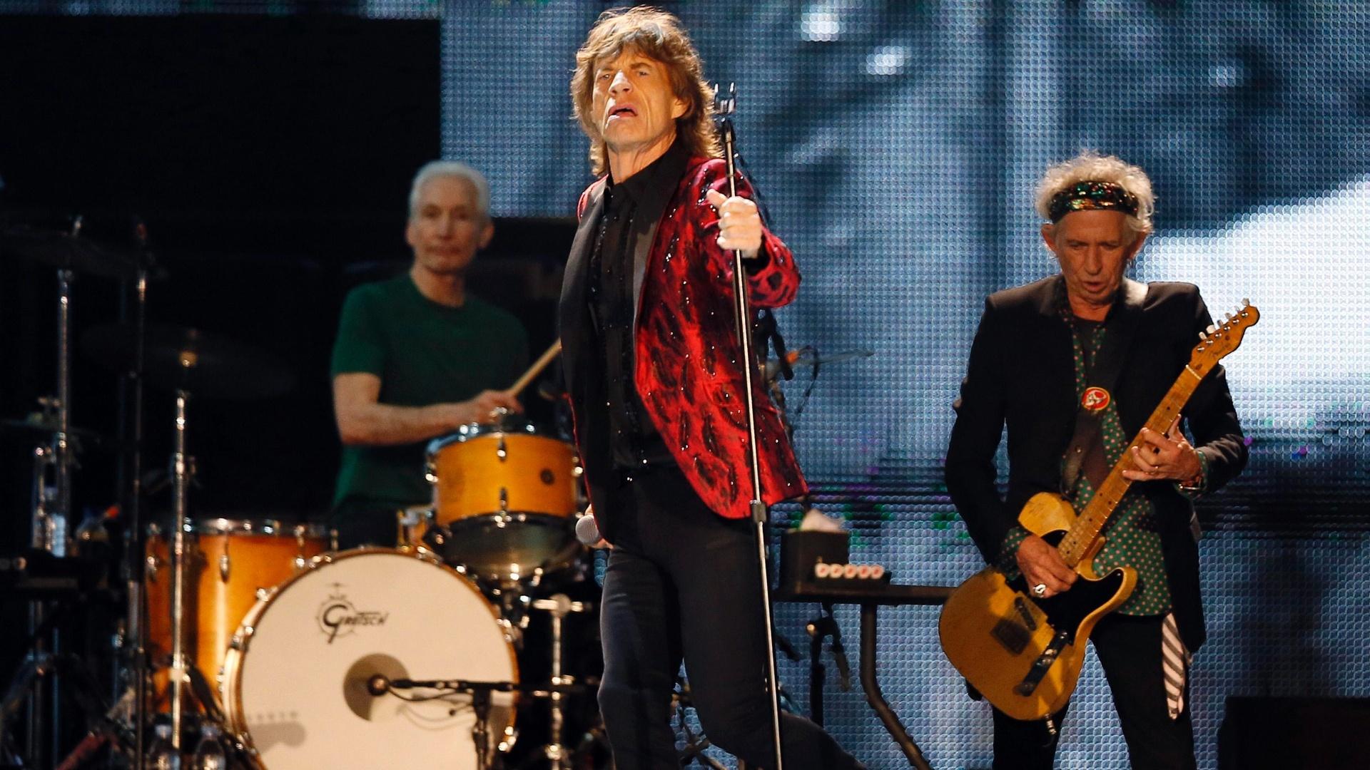 21.fev.2014 - Mick Jagger, Charlie Watts e Keith Richards, do Rolling Stones, fazem show em Abu Dhabi