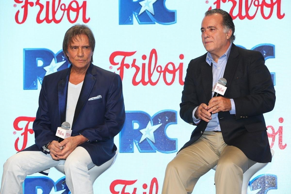 Ator Tony Ramos explica para Roberto Carlos o que é