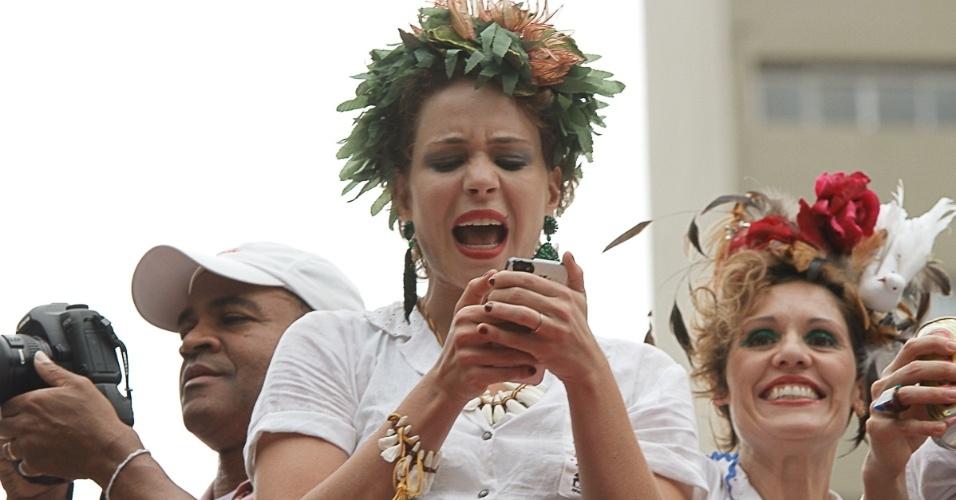 23.fev.2014 - Leandra Leal no Bloco Acadêmicos do Baixo Augusta, na tarde deste domingo (23), em São Paulo