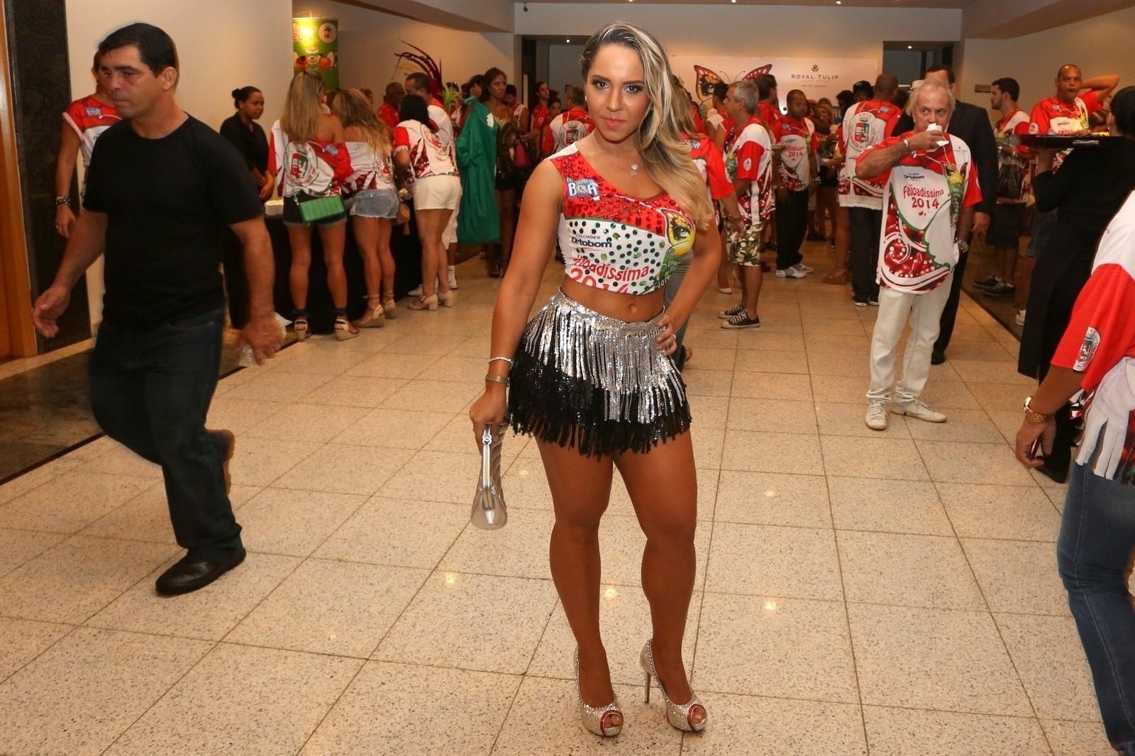 23.fev.2014 - Mulher Melão na Feijoada da Grande Rio no Hotel Royal Tulip, em São Conrado, na Zona Sul do Rio de Janeiro, na tarde deste domingo (23)