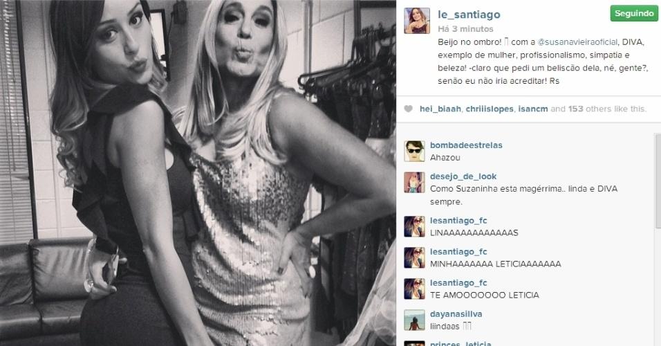 25.jan.2014 - Letícia posta foto ao lado da atriz Susana Vieira mandando 'beijinho no ombro'.