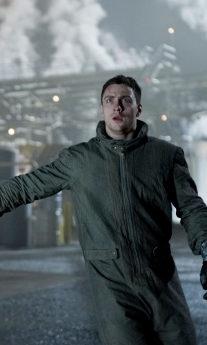 "Aaron Taylor-Johnson em cena de ""Godzilla"", do diretor Gareth Edwards"