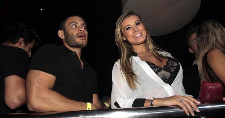26.fev.2014 - Andressa Urach no show de Anitta na casa noturna Brook?s, em São Paulo