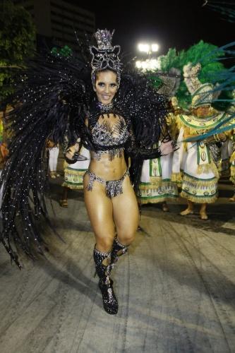 28.fev.2014 - Desfile das escolas do Grupo de Acesso do Rio