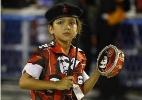 Fan�ticas por Carnaval, meninas fazem torcida por escolas mirins do RJ