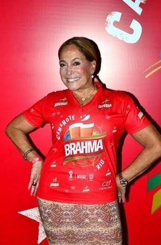 1.mar.2014 - Solteira, Susana Vieira vai retirar o kit para curtir o Carnaval carioca do camarote