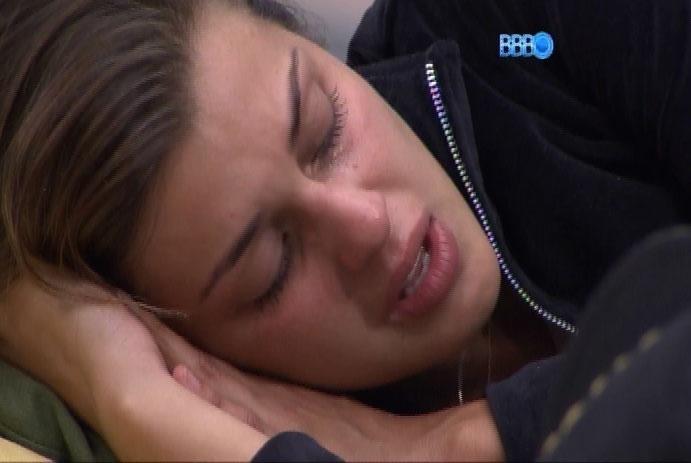 2.mar.2014 - Angela compara Letícia com Aline: