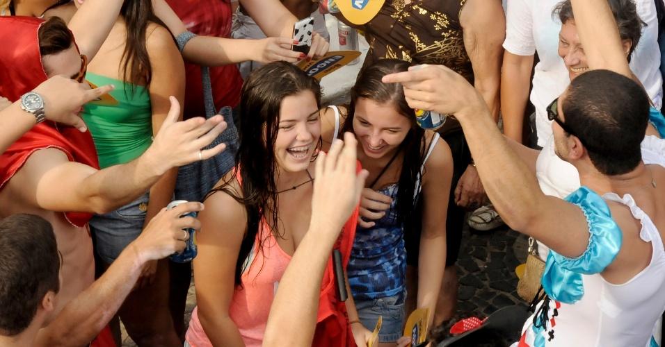 2.mar.2014 - Simpatia é Quase Amor lotou as ruas de Ipanema com aproximadamente 100 mil pessoas