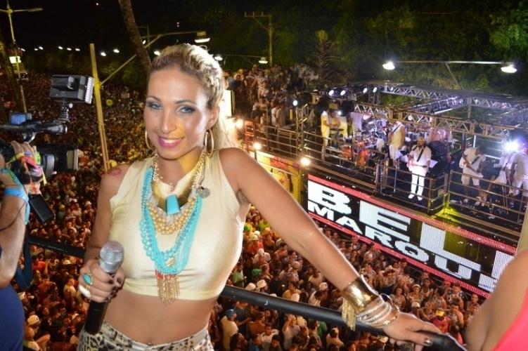 5.mar.2014 - Valesca Popozuda faz show no camarote Skol, em Salvador. Um pouco antes, a cantora havia feito uma participação especial na apresentação de Bell Marques