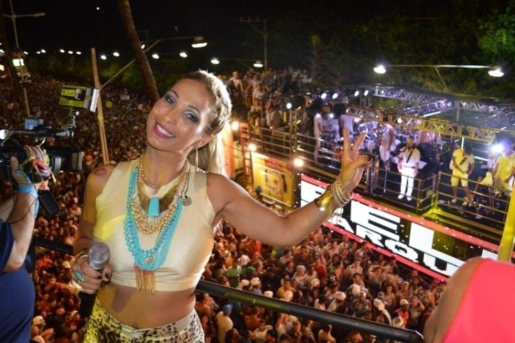 5.mar.2014 - Valesca Popozuda posa durante show no camarote Skol, em Salvador. Um pouco antes, a cantora havia feito uma participação especial na apresentação de Bell Marques