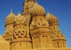 Muito al�m do castelinho: veja esculturas incr�veis de areia pelo mundo