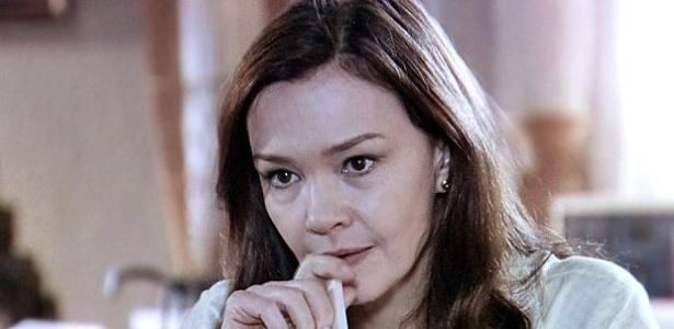 """""""Em Família"""", Helena fica perturbada ao saber que Laerte planeja ficar no Brasil"""