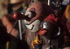 Exposi��o gratuita re�ne mais de 50 bonecos do Grupo Giramundo