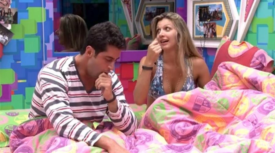07.mar.2014 - Tatiele quer vencer prova do anjo para não beijar Cássio.