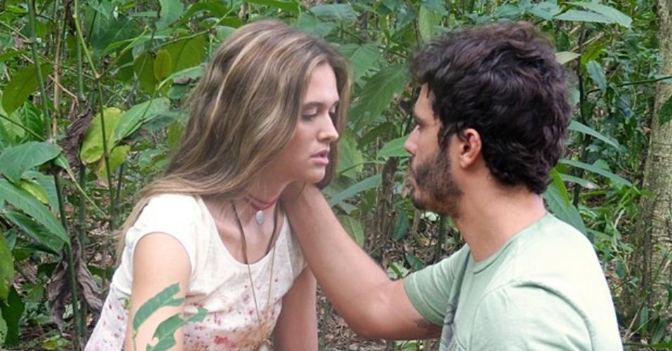 8.mar.2014 - William confessa que só pensa em beijar Lili novamente
