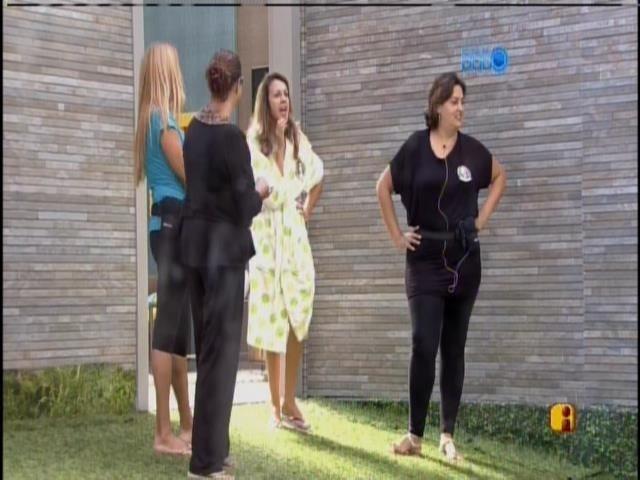 9.mar.2014 -Mães de Cássio, Diego, Angela e Marcelo conversam com os filhos