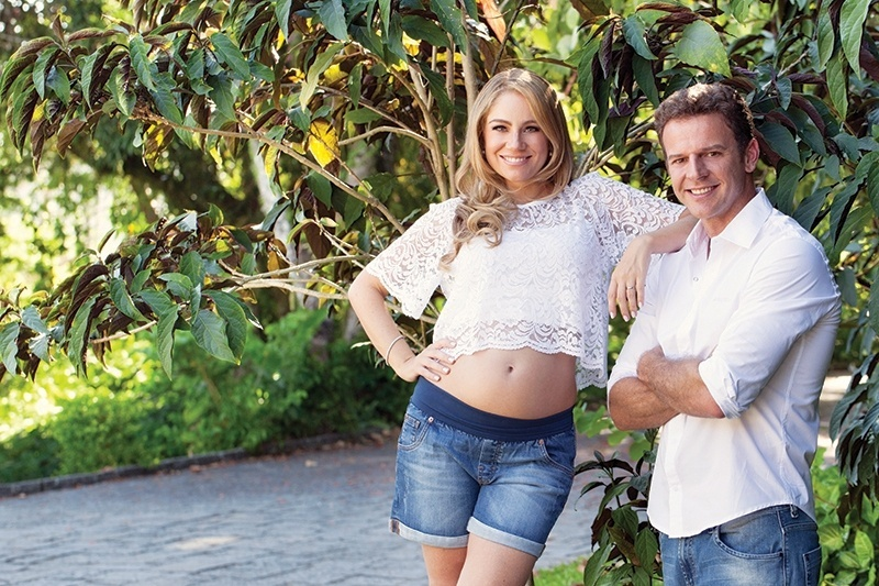 """11.mar.2014 - Juliana Baroni posa grávida para a revista """"Contigo!"""""""