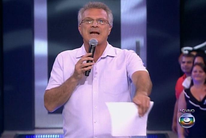 11.mar.2014 - O apresentador Pedro Bial inicia a edição, que irá culminar com o décimo segundo eliminado do