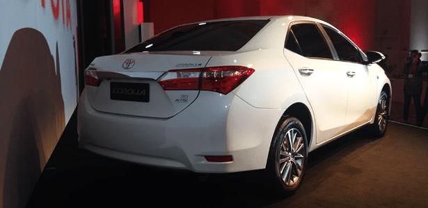 X Corolla 2015 Toyota lança n...