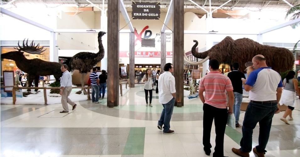 """A exposição """"Gigantes da Era do Gelo"""" fica em cartaz até 30 de março, na praça central e no estacionamento do Shopping Tamboré (Av. Piracema, 669, Tamboré), com entrada gratuita."""
