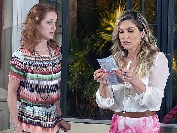 Priscila fica em choque quando Heloísa lê o resultado do exame