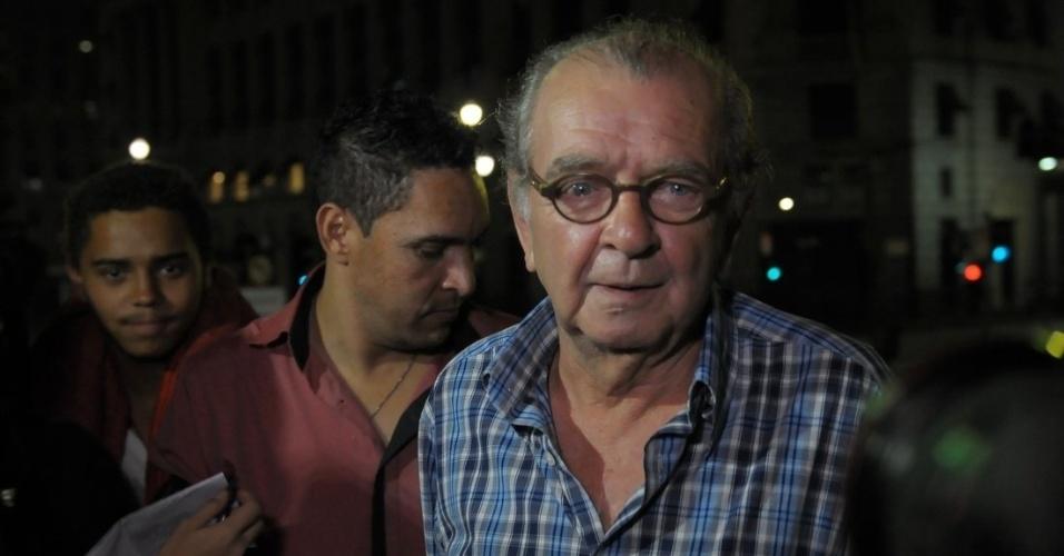 13.mar.2014 - Umberto Magnani no velório de Paulo Goulart no Theatro Municipal, em São Paulo