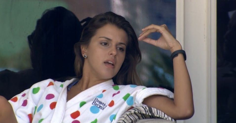 14.mar.2014 - Angela critica ciúme de Marcelo