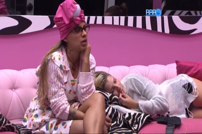 14.mar.2014 - Clara, Vanessa e Angela detonam Marcelo e Diego e criticam relação de Aline e mãe