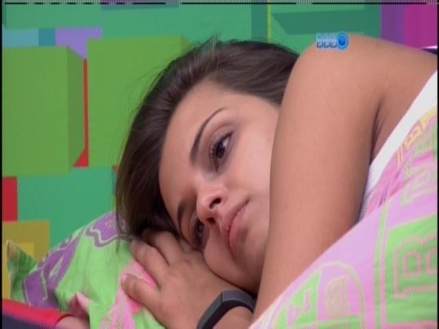 16.mar.2014 - Angela quer saber de Cássio sobre a briga com Marcelo e diz: