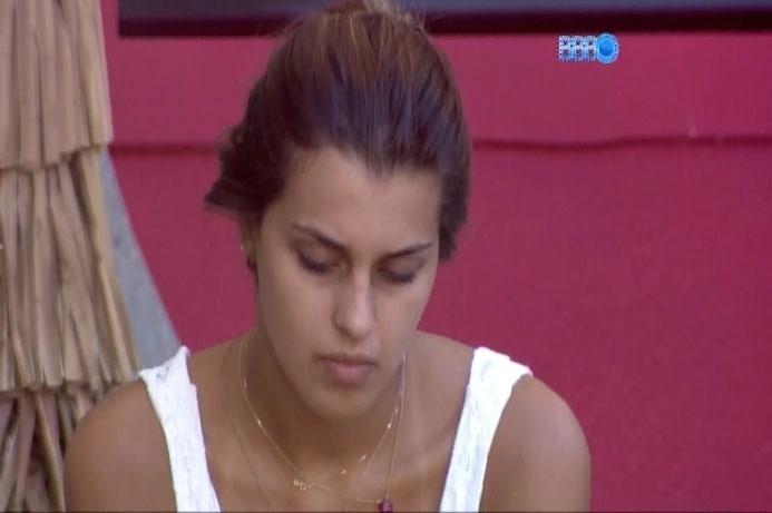 17.mar.2014 - Gaguejando, Angela pede desculpas a Marcelo e decreta: