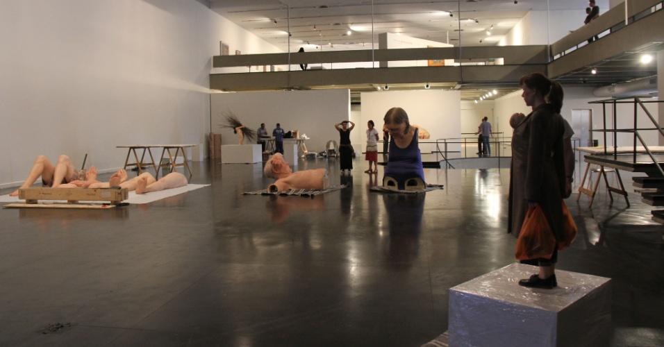 """Ambiente do Mam Rio, sendo montado para a exposição """"Still Life""""."""