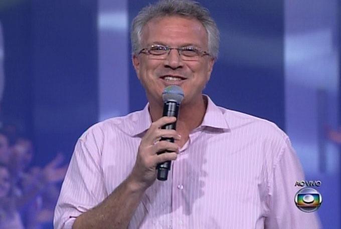 18.mar.2014 - O apresentador Pedro Bial inicia a edição, que irá o décimo terceiro participante de