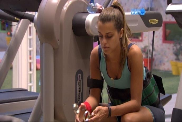 19.mar.2014 - Angela diz que Globo deu uma grana para calar a boca de Daniel Echaniz, acusado de abusar de Monique no