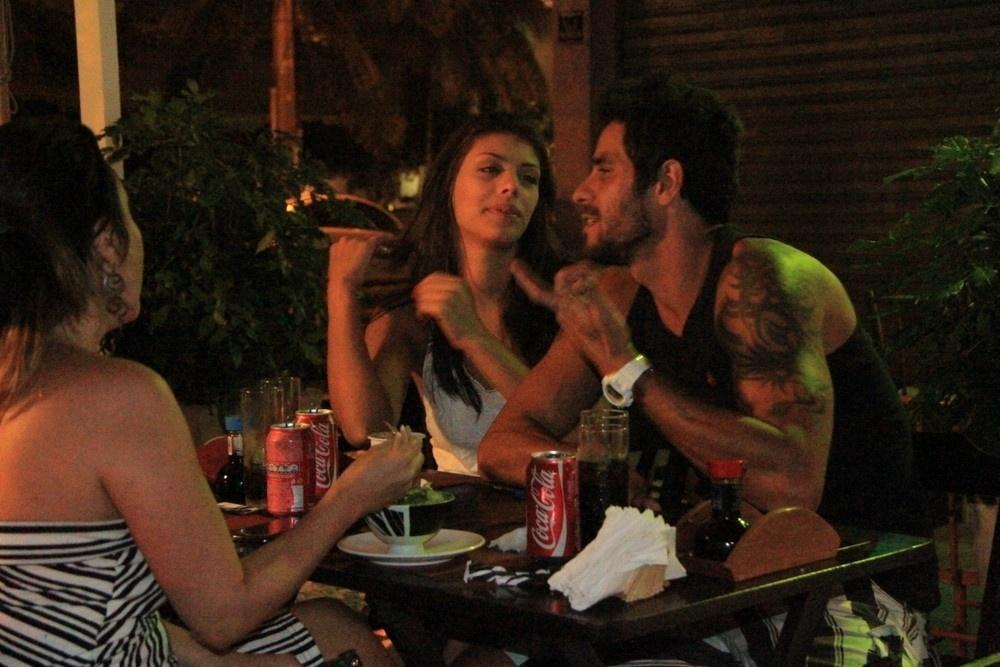 19.mar.2014 - Franciele e Diego jantam no Rio de Janeiro