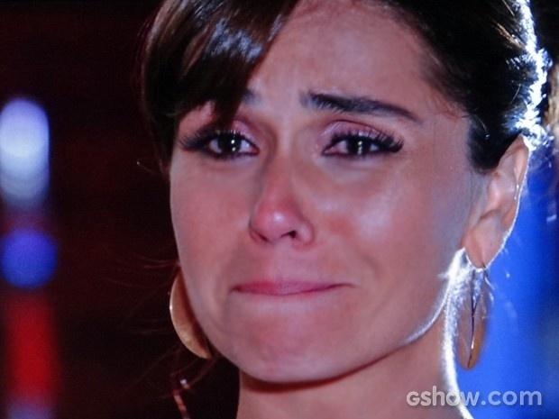 Em Famíilia: Clara se emociona ao pedir para Marina se afastar dela