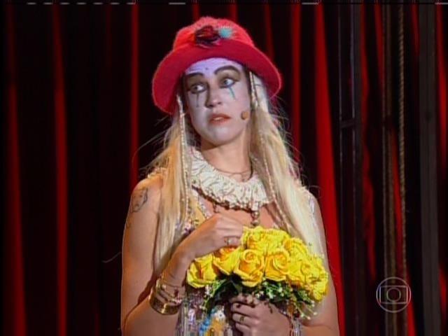 Luana Piovani interpreta Isabel, sua personagem em