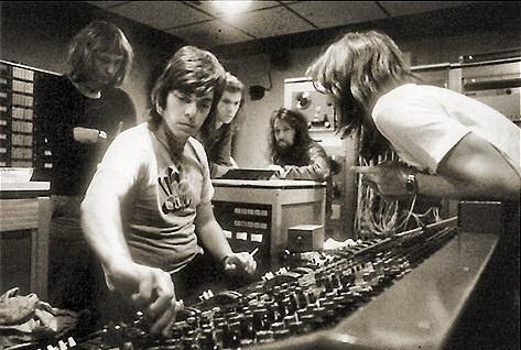 Alan Parsons com a equipe do Pink Floyd, nas mixagens de
