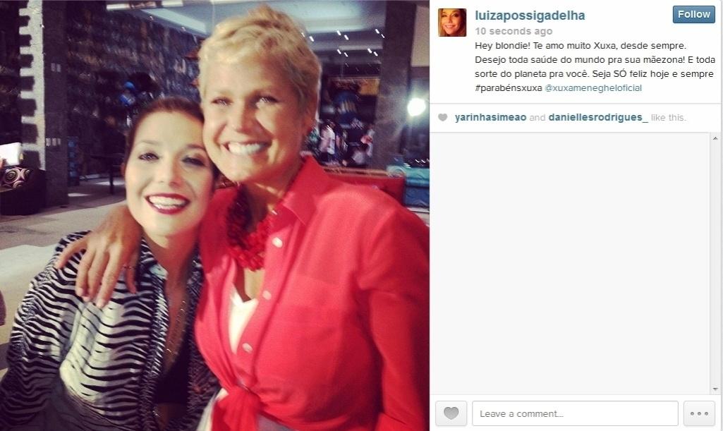 27.mar.2014 - A cantora Luiza Possi também não deixou de parabenizar a apresentadora pelo aniversário de 51 anos.