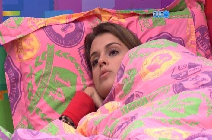 27.mar.2014 - Vanessa e Angela conversam sobre eliminados;