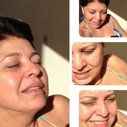 """""""Que belo sol! Sem filtro, sem maquiagem...Casa da minha amiga!"""", disse Roberta Miranda na legenda de mais uma foto tomando sol"""